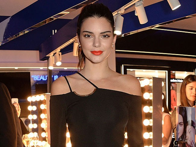 Kendall Jenner has shared an unpublished photo from her US Vogue shoot and it's hot AF