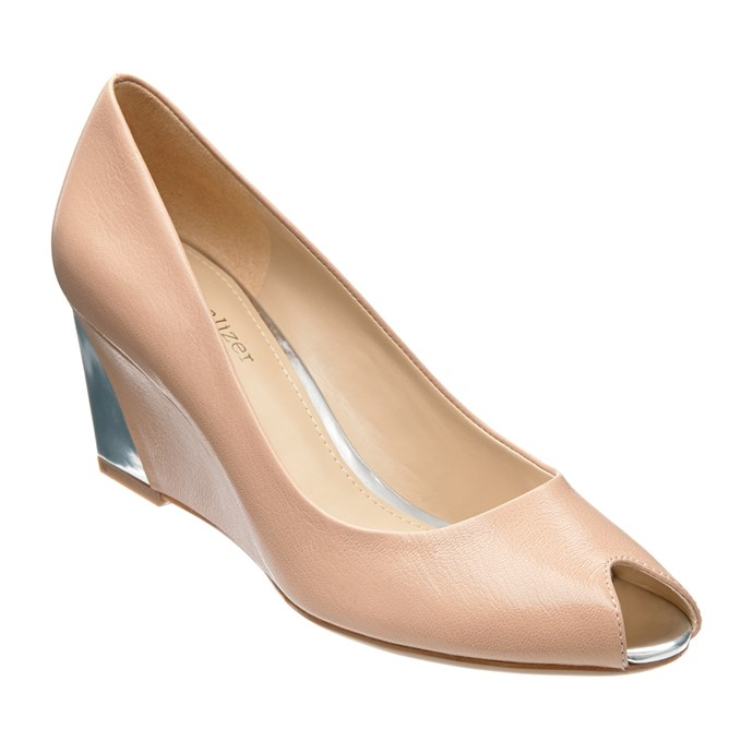 "Ellen (taupe). <a href=""http://www.naturalizer.com.au/cart/search/b692ed7c39be684f88950544e409f15c"">Click here to buy or explore more styles.</a>"