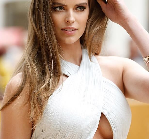 Robyn Lawley is pregnant