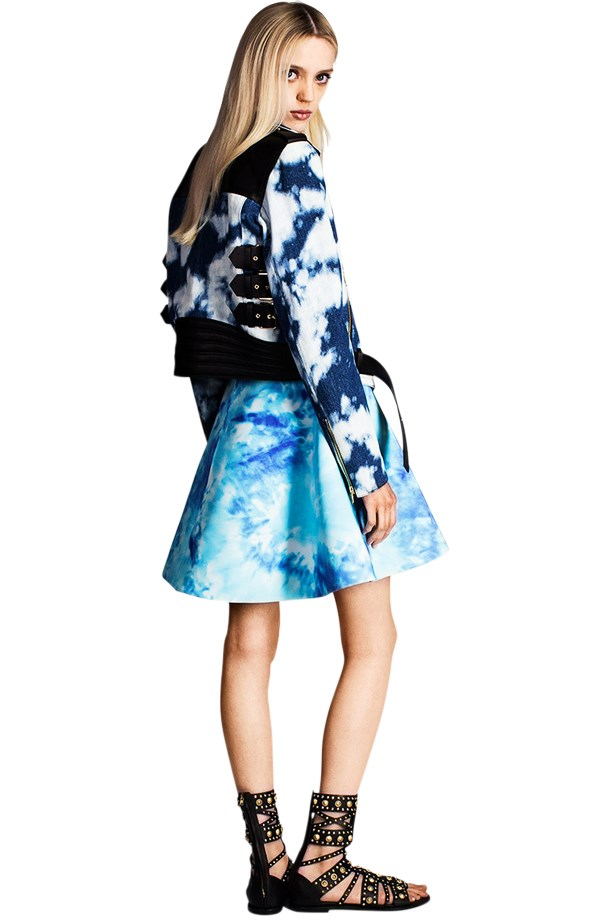 <strong>Miley Cyrus – Tie-Dye</strong> <br><br> Fausto Puglisi Resort 2015 Resort 2015