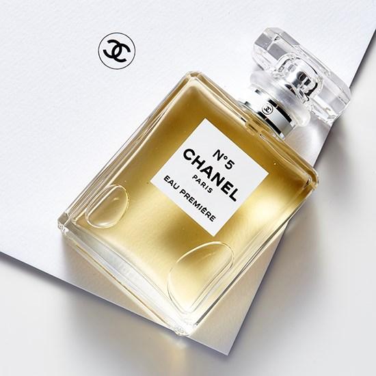 "<a href=""http://shop.davidjones.com.au/djs/en/davidjones/n%C2%B05-eau-premi%C3%A8re-spray-50ml"">Chanel N°5 Eau Première Spray.</a>"