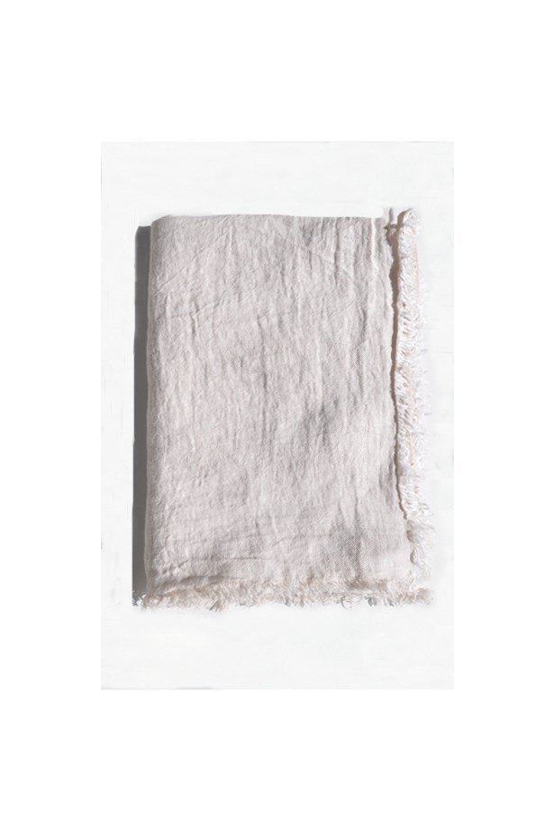 "<a href=""http://www.shopanaise.com/maison-de-vacances-vice-versa-throw-creme-givre/"">Throw, $286, Maison de Vacances, shopanaise.com</a>"
