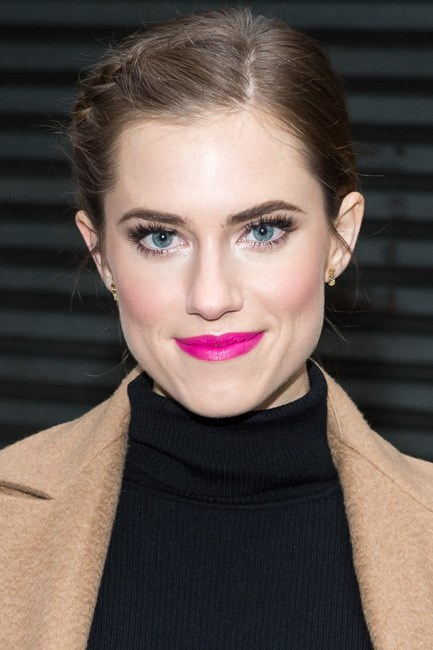 Allison Williams gave her wintery look a pop of colour to boot.