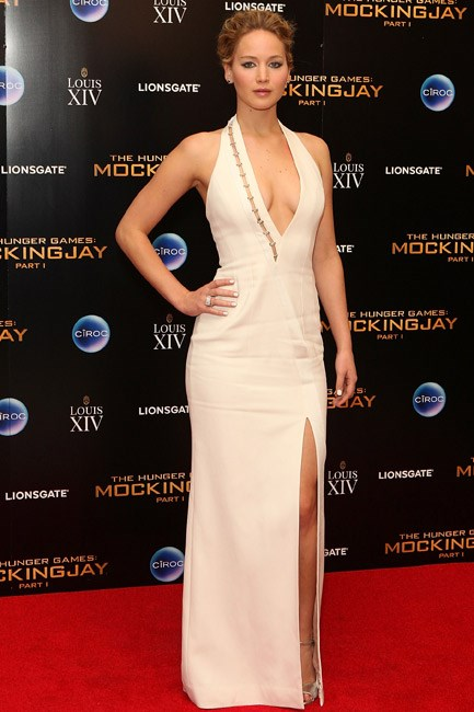 <strong>Jennifer Lawrence</strong><br><br> <strong>BODY-CON:</strong> A Mugler by David Koma gown hugged her in all the right places.