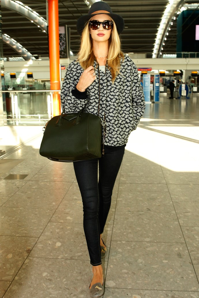 "<strong>Rosie Huntington-Whiteley</strong> <br> Add interest to a simple outfit with on-point accessories a la Rosie. <br><br> <em>Related: <a href=""http://www.elle.com.au/news/beauty-news/2015/1/rosie-huntington-whiteley-chops-her-hair/"">Rosie Huntington-Whiteley chops her hair</a></em>"