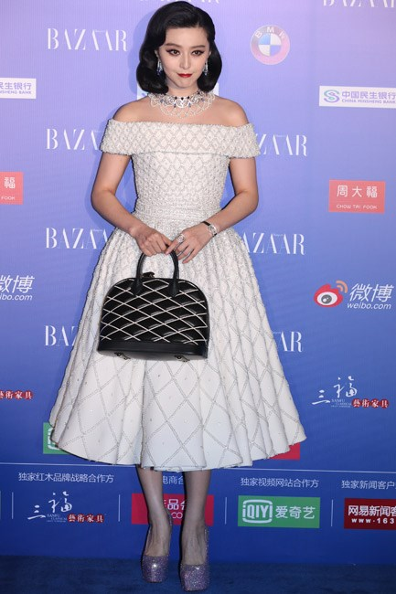 Fan Bingbing was a fifties-<em>esque</em> goddess in a Ralph & Russo couture number, which was dotted in pearls.