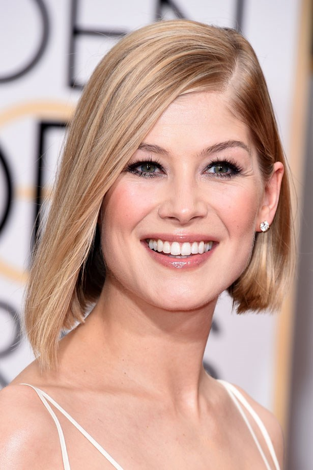 A blunt chop matched Rosamund Pike's graphic eye makeup.