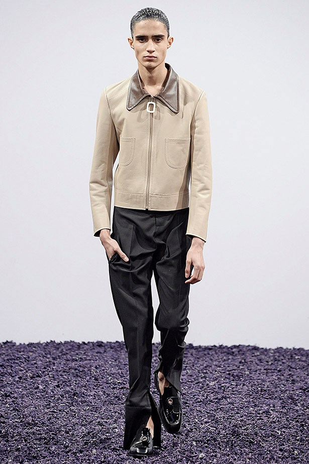 Pointed collars: Fez, from <em>That 70's Show</em>, would be proud. <em>JW Anderson aw15 </em>