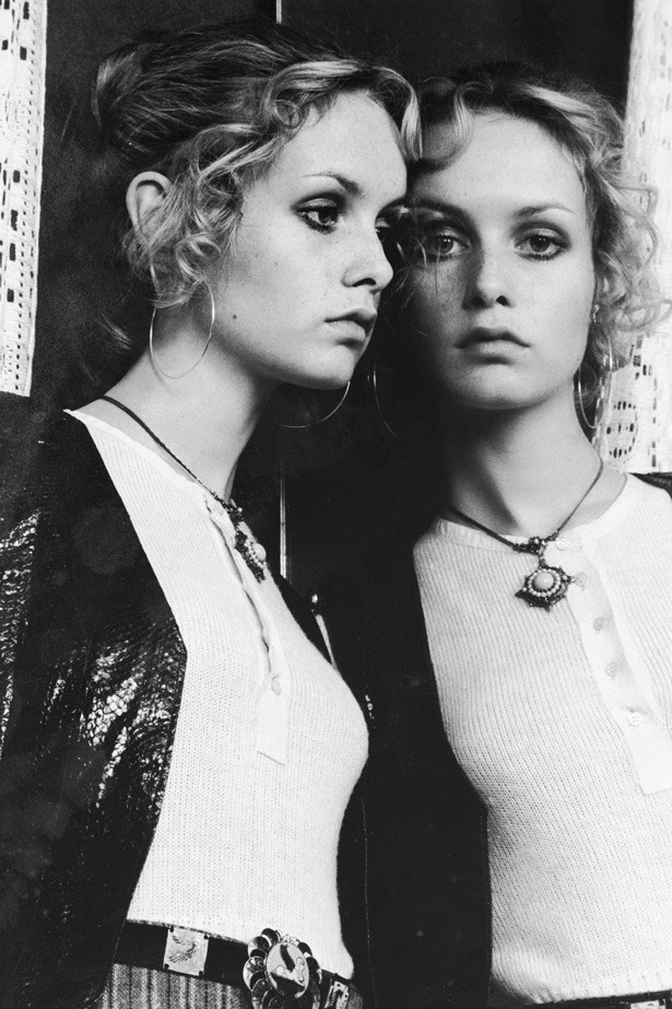 "Aside from her iconic blonde crop, Twiggy's youthful, innocent look made 70s tendrils happen. The trend went on to be one of the most popular ""good girl"" looks in the early 70s."