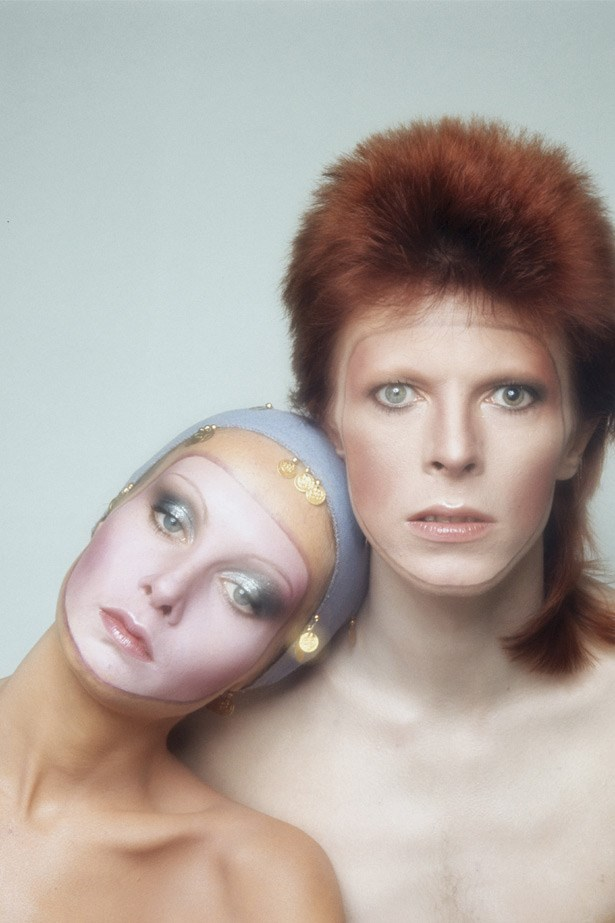 Here, Twiggy poses with David Bowie, of whom she was a huge fan at the time, for the cover of his seventh album, Pin Ups, in 1973. The story goes that the shoot was meant for a magazine, but after deciding they didn't want a man on the cover, Bowie picked up the shot for his record sleeve. Frosted, ethereal makeup was a major beauty trend of the seventies.