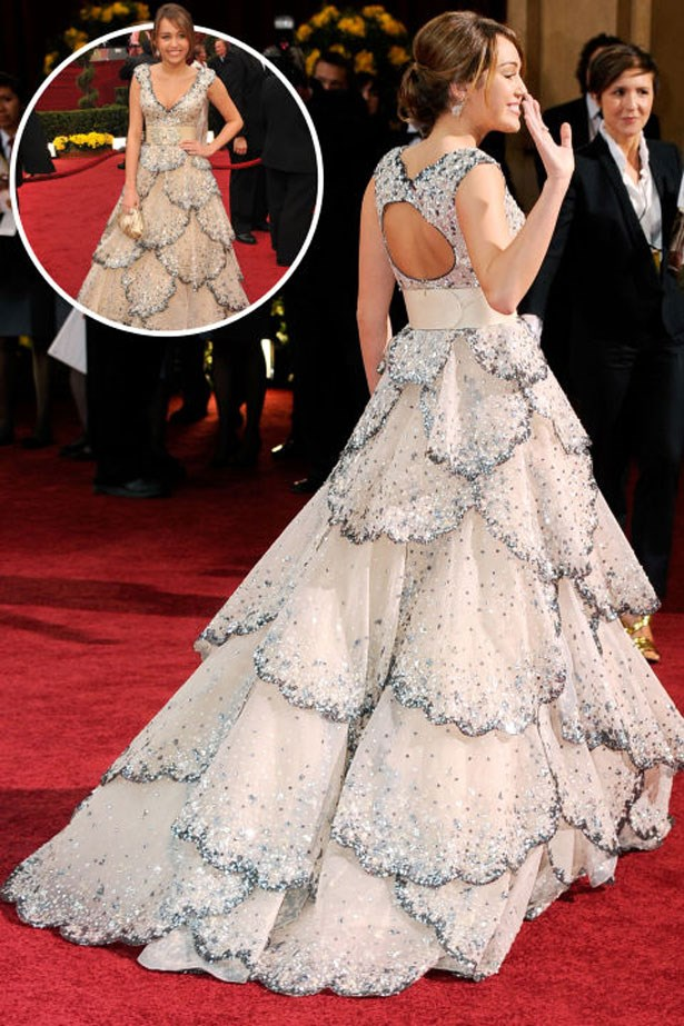 <p>MILEY CYRUS</p> <p>In Zuhair Murad at the 2009 Academy Awards</p>