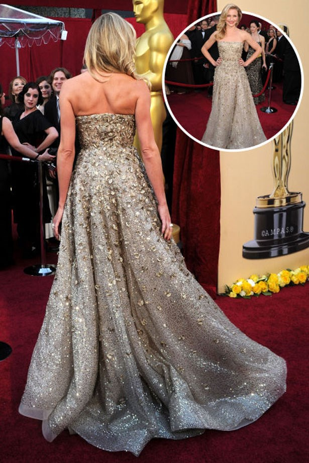 <p>CAMERON DIAZ</p> <p>In Oscar de la Renta at the 2010 Academy Awards</p>