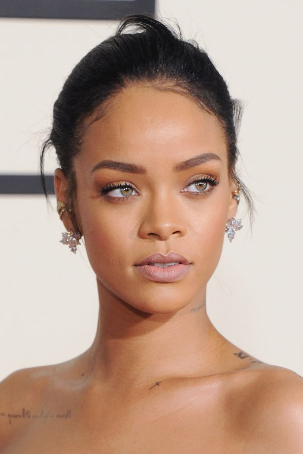 Rihanna with a nude lip