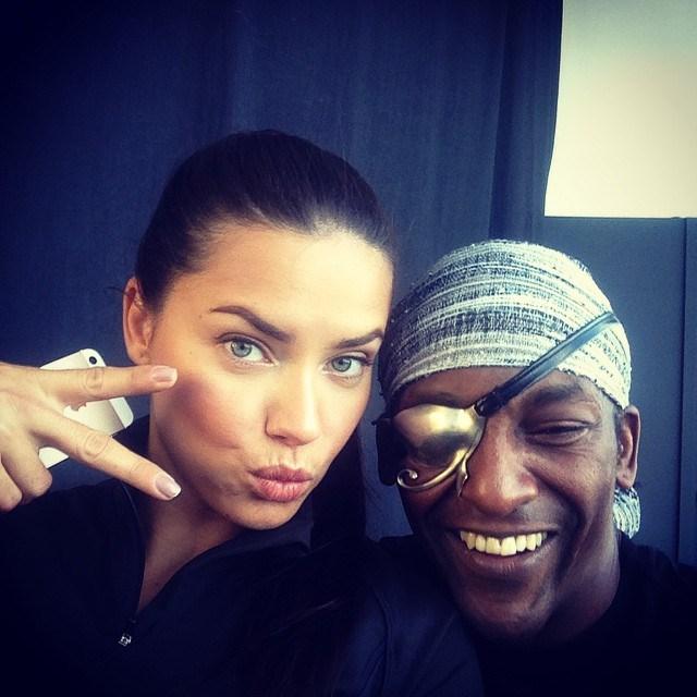 "<p><strong>Model:</strong> Adriana Lima</p> <p><strong>Trainer:</strong> Michael Olajide from <a href=""http://www.aerospacenyc.com/home.html"">AEROSPACE</a></p> <em><p><a href=""http://instagram.com/elcuerpodepapi/"">@elcuerpodepapi</a></p></em>"