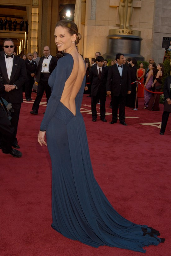 Hilary Swank in Guy Laroche at the 2005 Academy Awards.