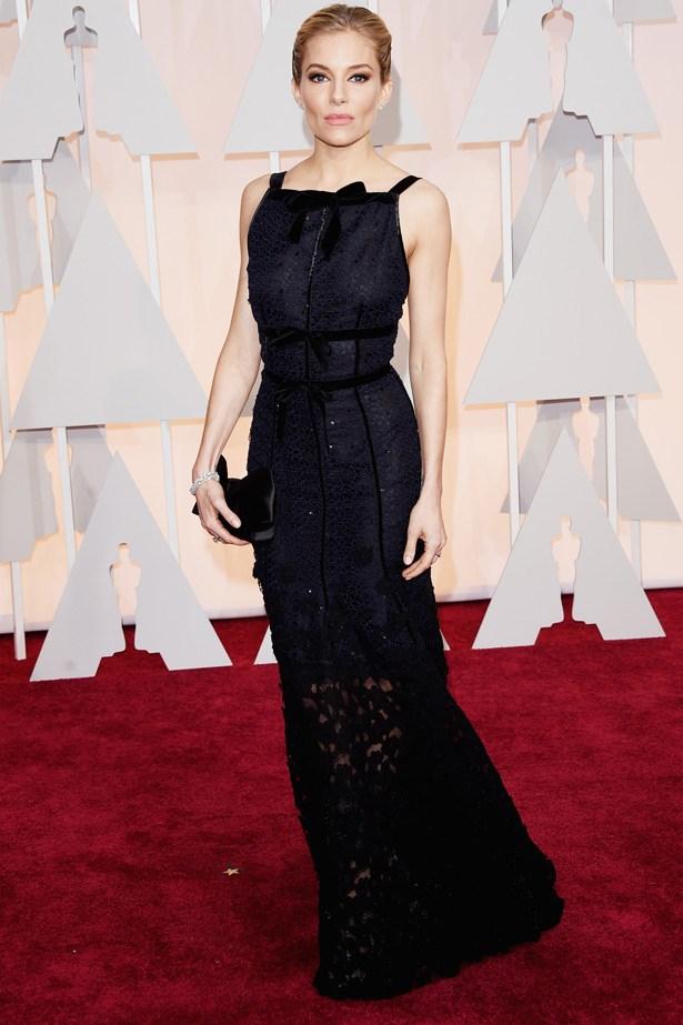 Sienna Miller wearing Oscar de la Renta gown