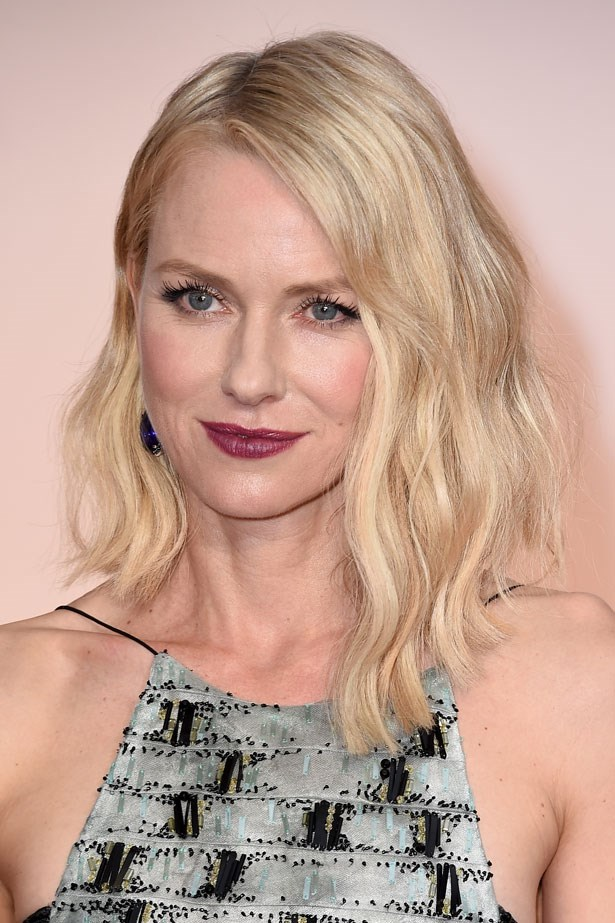 <p><strong>The Berry Lip</strong></p> Naomi Watts wore a vampy berry lip.
