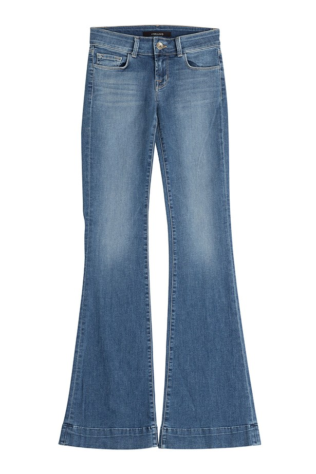 "<a href=""http://www.stylebop.com/au/product_details.php?id=611743"">Jeans, $240, J Brand, stylebop.com</a>"