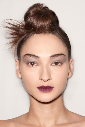 How-to: The chic and sculptured top-knot at Marc Jacobs AW 15 NYFW