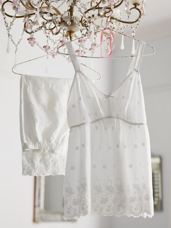 "Linen Nightwear <br/><br/> Enjoy a blissful slumber in these cosy pyjamas. The natural fibres of pure cotton is extra cool and comfortable - and a customer favourite! Our Cool Comfort™ technology helps to keep you cool and comfy all through the night. <br/><br/> Click <a href=""http://ad.doubleclick.net/ddm/trackclk/N8061.158950ELLE/B8574550.116091309;dc_trk_aid=289098871;dc_trk_cid=61757992"">here</a> to buy now."