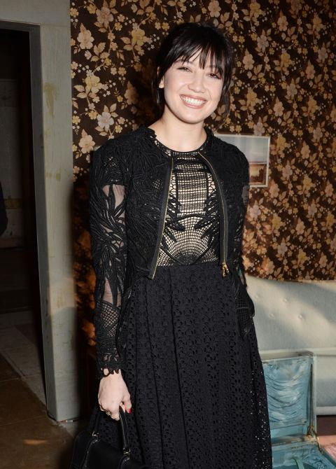 <strong>DAISY LOWE</strong> At Erdem.