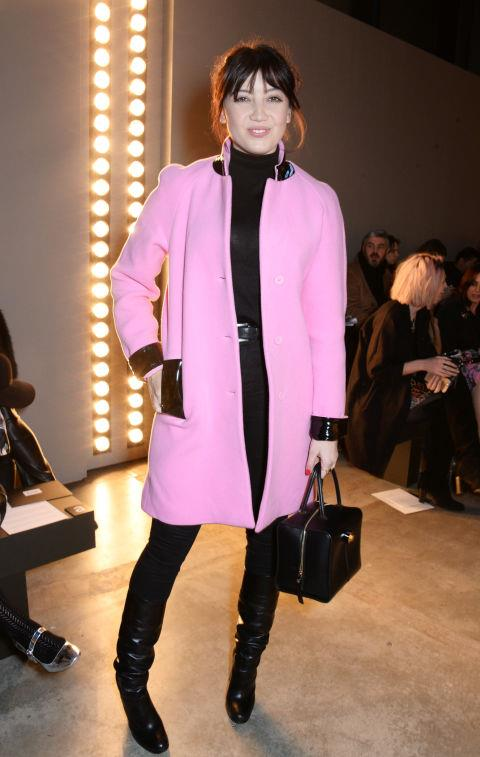 <strong>DAISY LOWE</strong> At Christopher Kane.