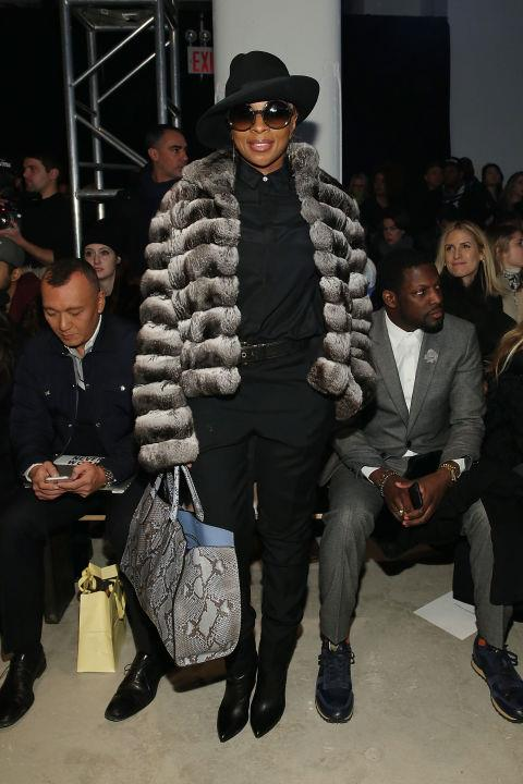 <strong>MARY J. BLIGE</strong> At Public School.