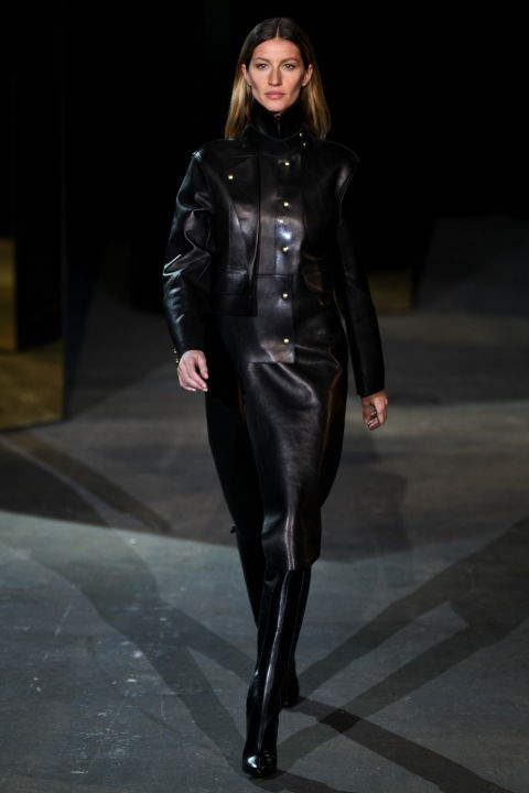 <strong>Alexander Wang Autumn/Winter 2012</strong><br> Mrs. Brady wore all black errything at Alexander Wang's fall '12 show.