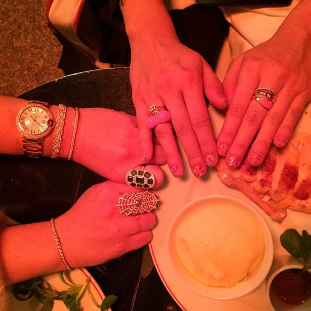 Supper with my chic fine jewellery girls @anitakojewelry and @alisonlou