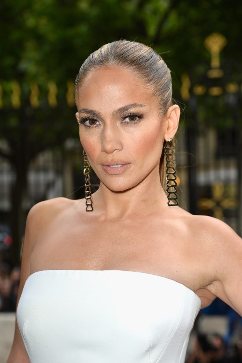 """<strong>JENNIFER LOPEZ</strong> <BR> We've all basked in the one-woman miracle that is J. Lo's body so naturally, when it comes to her diet secrets we're <em>all ears</em>. One trick she has is smelling grapefruit oil to reduce appetite, and thus, body weight, says <em><a href=""""http://www.dailymail.co.uk/femail/article-506475/Vinegar-grapefruit-essence-yes-cookies-Diet-secrets-J-Lo-A-list-revealed.html"""">The Daily Mail</a></em>. <BR> <strong>The Verdict:</strong> Studies have shown that smelling the oil for 15 minutes, three times a day can help lessen your appetite. Of course, if you're going to use this technique, we advise that you use it to curb unhealthy cravings, rather than skip meals."""