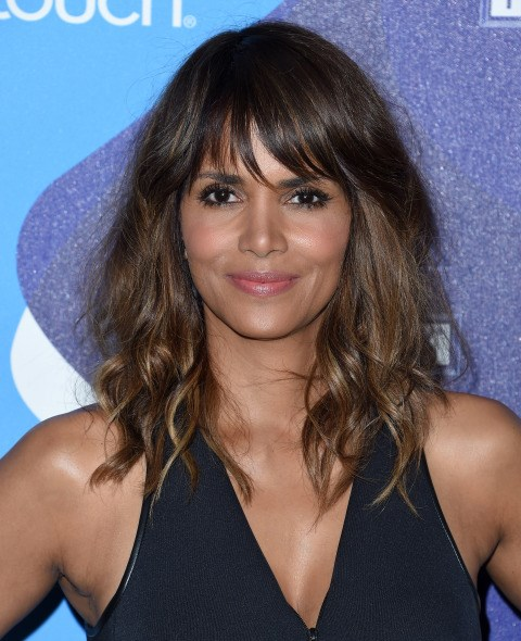 """<strong>HALLE BERRY</strong> <BR> Berry can go for any kind of pricey cellulite treatment she wants. Instead, she takes a D.I.Y. approach by simply <a href=""""http://www.cosmopolitan.com/style-beauty/beauty/advice/g2301/random-celeb-beauty-secrets/"""">adding coffee grinds</a> to her body wash for a good scrub. <BR> <strong>The Verdict:</strong> With all its antioxidants, caffeine is a key ingredient to fighting cellulite. When applied topically and rubbed into the skin, it works as a stimulant that dilates the blood vessels, thus tightening the skin. We hail this yet another reason coffee is a religious experience."""