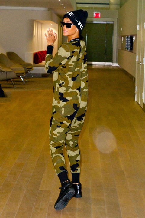 <strong>RIHANNA</strong> <BR> RiRi goes for comfort in head-to-toe camo.