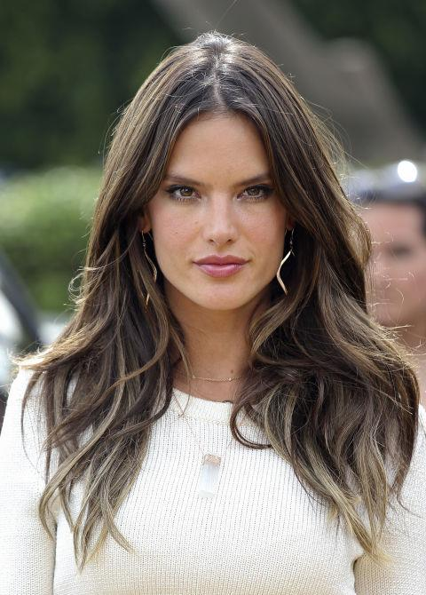 Flirt with a '70s style, like Alessandra Ambrosio