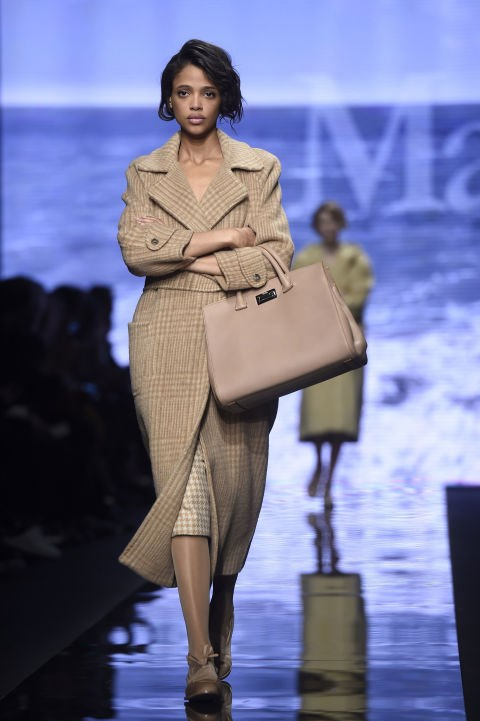 <strong>Aya Jones <br></strong> Age: 20<br> Nationality: French<br> Runway Highlights: Miu Miu, Alexander McQueen, Valentino, Sonia Rykiel, Giambattista Valli, Sacai, Nina Ricci, Marc Jacobs, Isabel Marant, Christian Dior, Dolce & Gabbana, Marni, Oscar de la Renta<br> Fun Fact: Jones walked 10 shows in her first season as a model (spring 2015) and quadrupled her appearances on the runway for fall 2015 with 41 shows.<br>