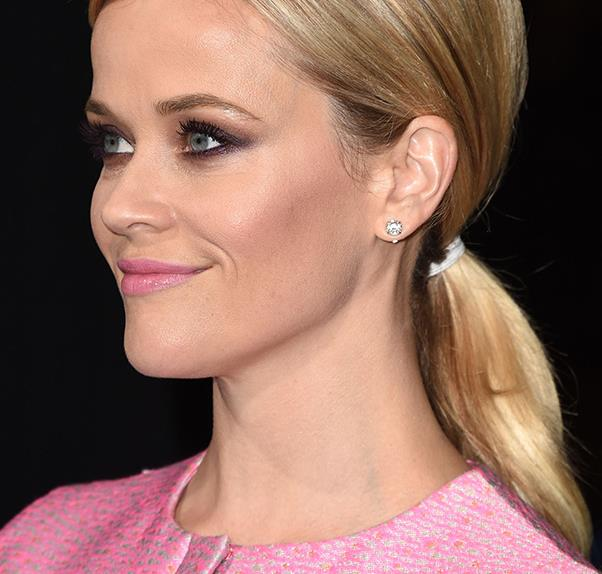 Reese Witherspoon wears pink
