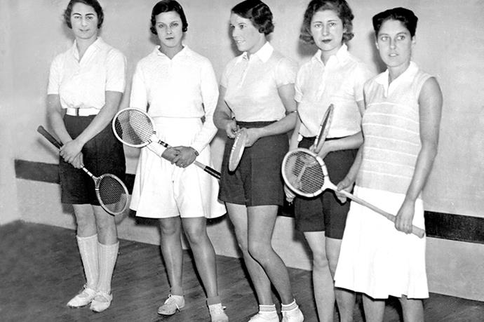 <strong>1932</strong> <br>Shorts are the norm by this time and so are shorter skirts. Women had the option of wearing whatever the hell they liked. This London squash team proves it.
