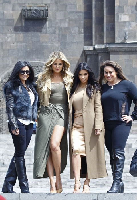 <strong>APRIL 9, 2015</strong> <BR> Posing in Armenia with her cousins and Khloé.