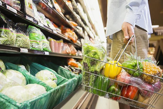 """<p>There you are, standing at the supermarket, checkout, with a trolley that's overflowing with grocery goodness – heaps of fruit, muesli, low-fat yoghurt… But do you have stealth nutritional bombs lurking among the cartons of coconut water? Nutritionist Jacqueline Alwill, owner of <a href=""""http://thebrownpaperbag.com.au/"""">The Brown Paper Bag</a>, says this dilemma is quite common. """"With so many fad diets today, people are more confused than ever about what is actually healthy."""" So how do we break down the bad stuff from the good? Consider this your meal-prep cheat sheet. </p>"""