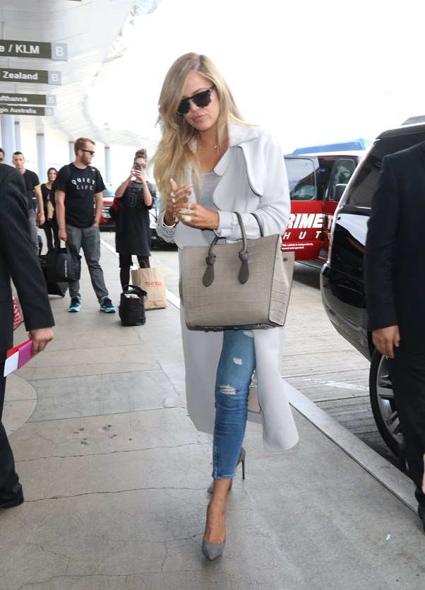 <strong>DIFFUSED GREY</strong> <br><em>April 2015</em> <br>Khloe Kardashian