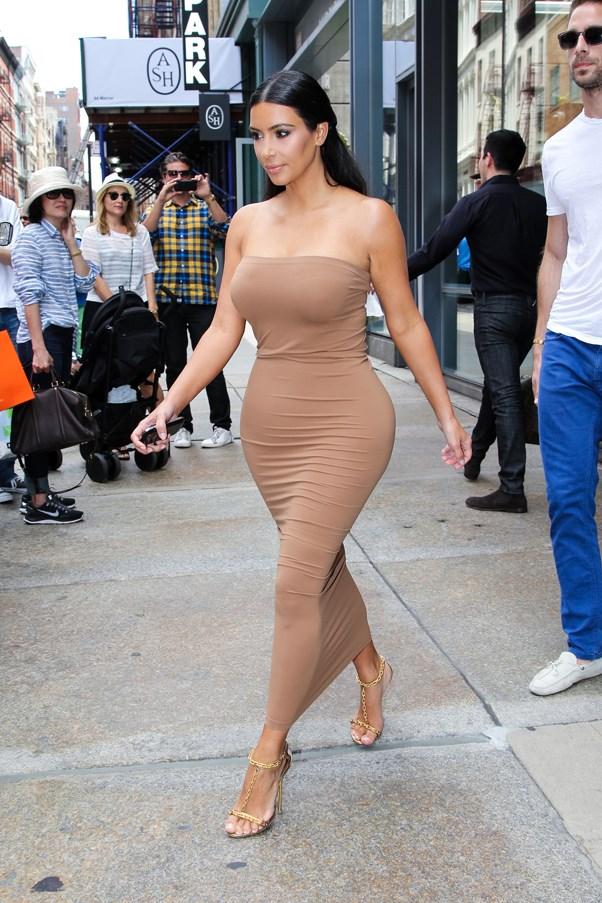 <strong>INSTANT TAN</strong> <br><em>June 2014</em> <br>Kim Kardashian