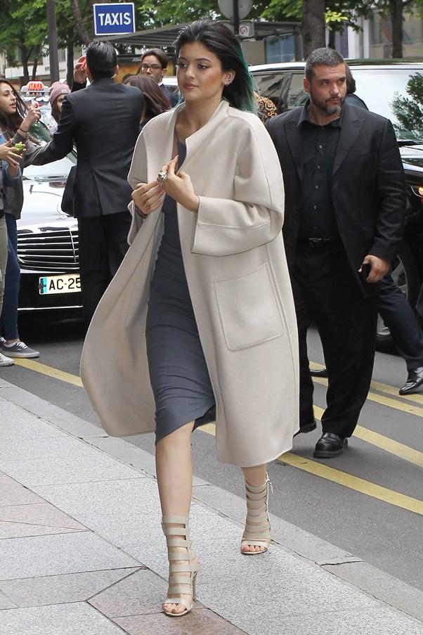 <strong>BEIGE SUAVE</strong> <br><em>May 2014</em> <br>Kendall Jenner
