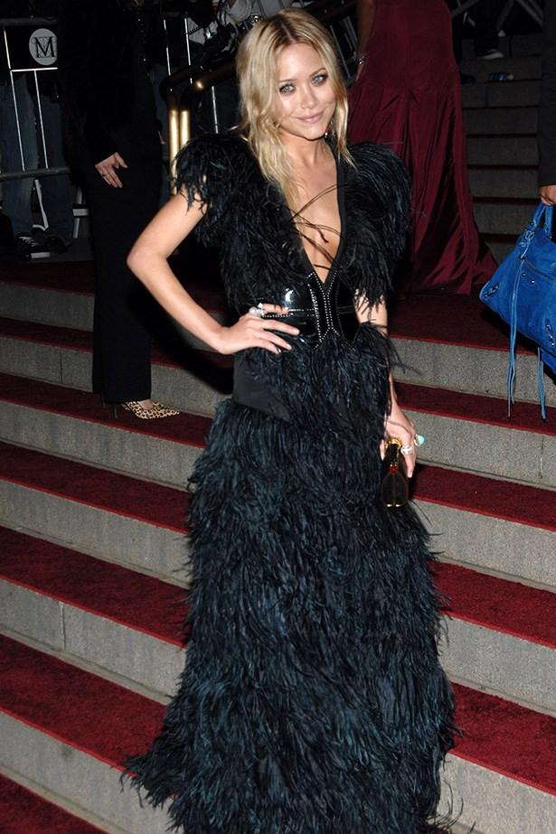 <strong>2007</strong <em><br>'Poiret: King of Fashion'</em> <br>Mary-Kate Olsen