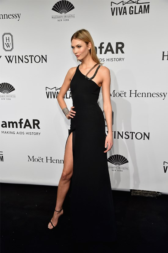 Karlie Kloss wearing Mugler at the 2015 amfAR New York Gala, February