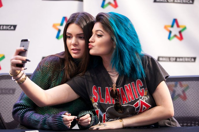 <strong>KENDALL AND KYLIE JENNER</strong>