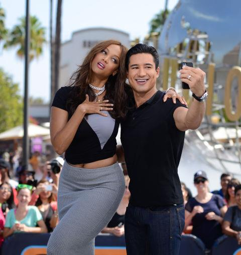 <strong>TYRA BANKS AND MARIO LOPEZ</strong>