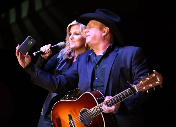 <strong>TRISHA YEARWOOD AND GARTH BROOKS</strong>