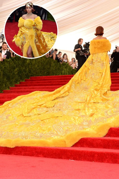 <strong>Rihanna</strong><br> In Guo Pei at the 2015 Met Gala.