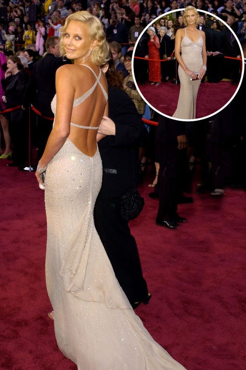 <strong>Charlize Theron<br></strong> In Gucci at the 2004 Academy Awards