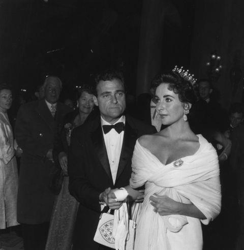 <strong>ELIZABETH TAYLOR</strong> <BR> In 1957.