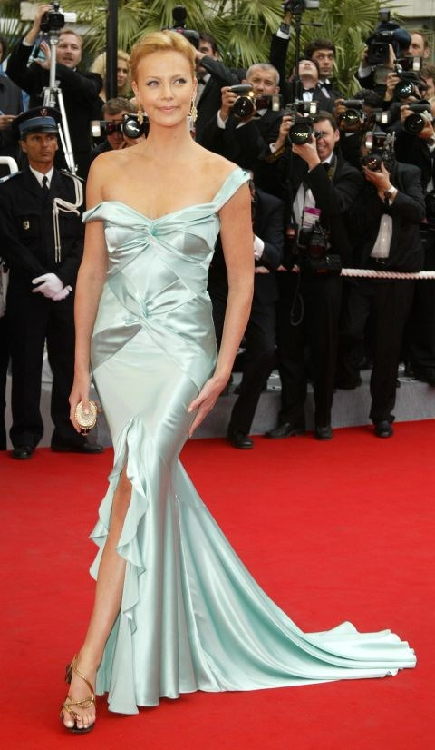 <strong>CHARLIZE THERON</strong> <BR> Wearing Dior in 2004.